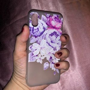 Accessories - iPhone X silicone case with flower print